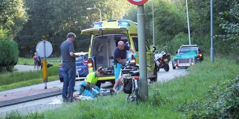 Een fietser werd aangereden door een auto