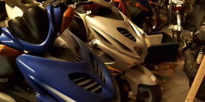 Een aantal van de scooters werd teruggevonden.