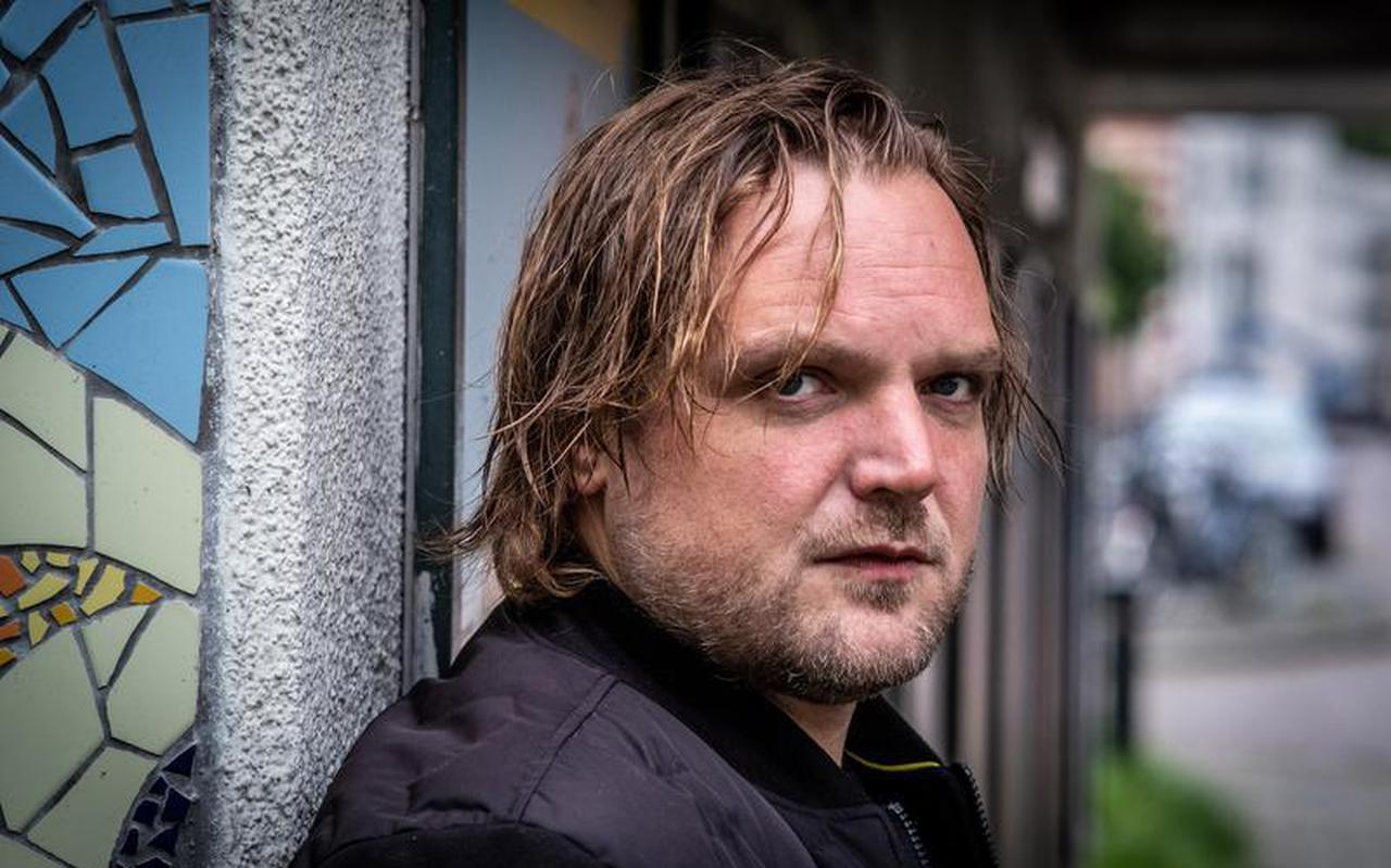Willem Groeneveld, journalist en oprichter van Sikkom.