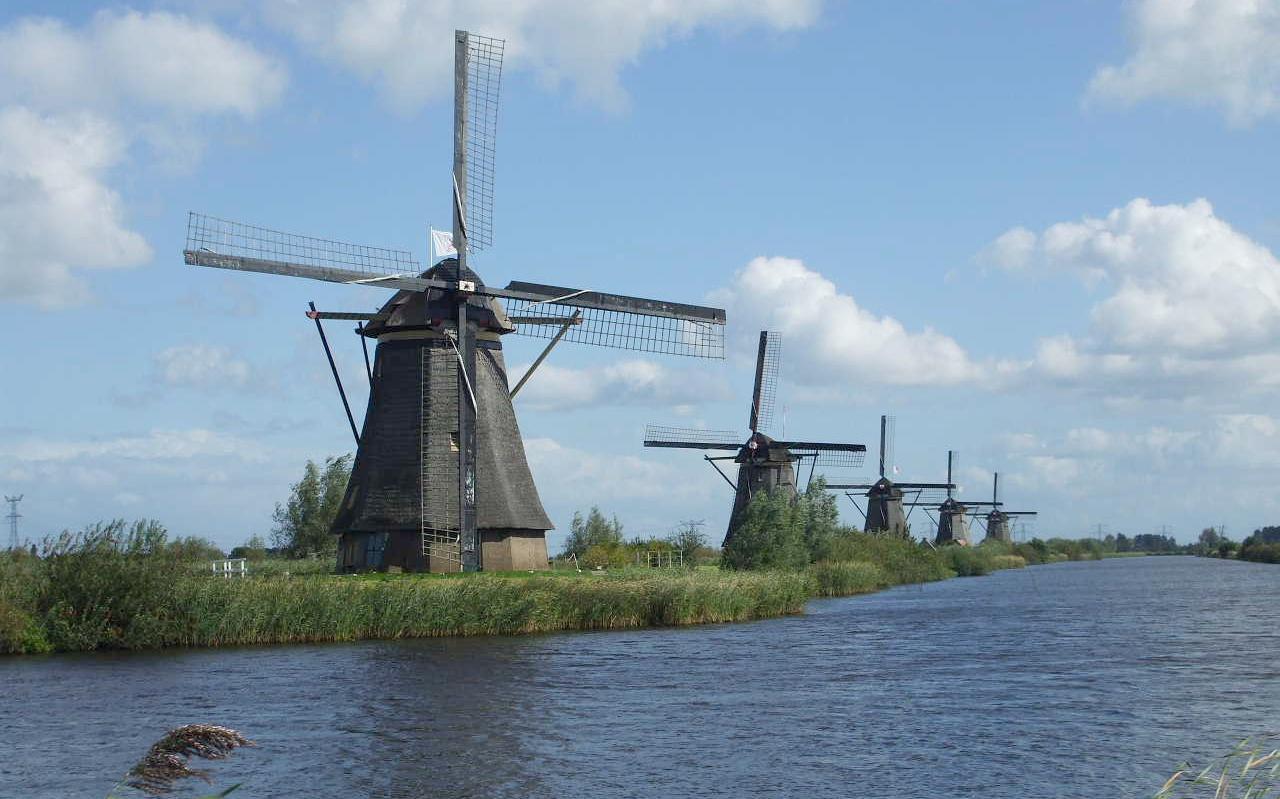 De Molens van Kinderdijk. Erfgoed sinds 1997.