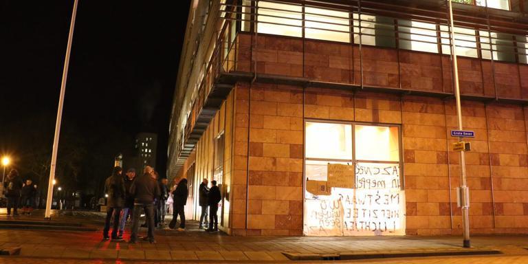 Tegenstanders van een azc in Meppel protesteren