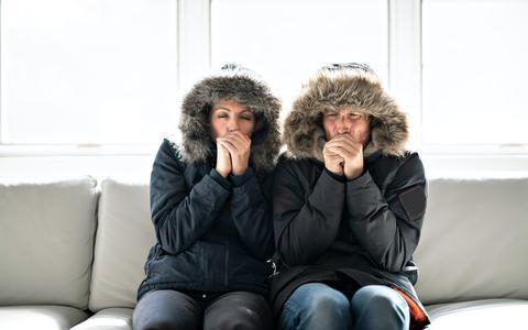 Dit is waarom sommige mensen het altijd koud hebben (en ja: vrouwen hebben het inderdaad sneller koud)