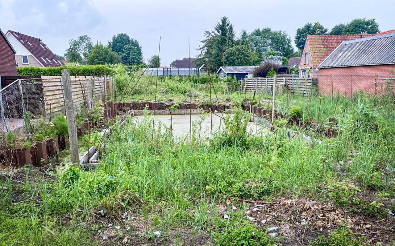 De gewraakte bouwput in Finsterwolde wordt de komende dagen ontmanteld.