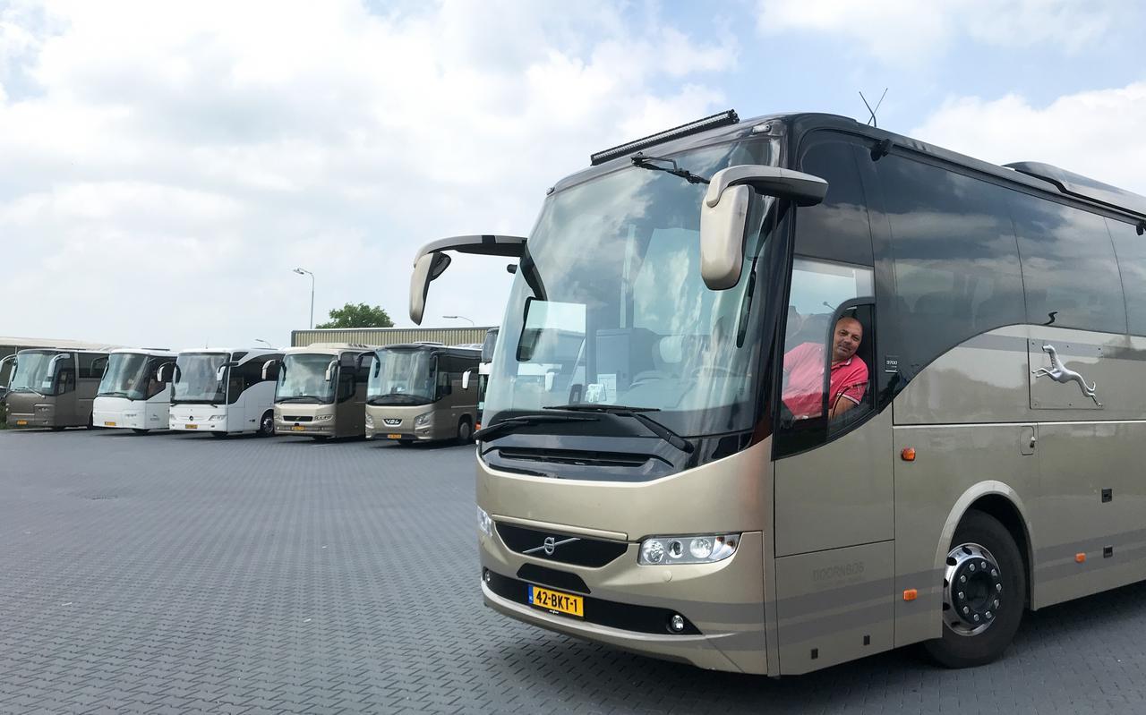 Directeur Adrie Oostenbrug van autobusbedrijf Doornbos. 'We hebben het tot nu toe gered'.