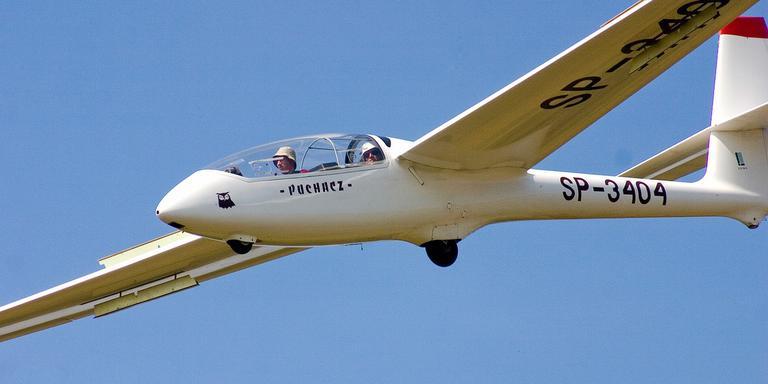 Een zweefvliegtuig. FOTO ARCHIEF DVHN