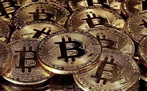 Dit moet je weten over bitcoin, die record na record kraakt en ineens 46.000 dollar waard is. Wat kun jij ermee?