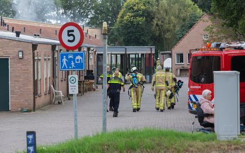 Brandweerlieden bij zorginstelling Cosis.