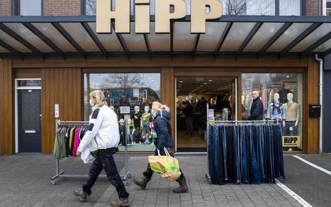 Een winkel in Klazienaveen heeft de deuren geopend voor het publiek, 2 maart jongstleden.