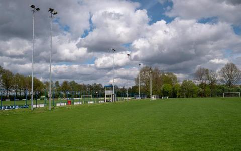 Bianca Haan van De Treffer '16 start petitie om sportvelden 2e Exloërmond te heropenen