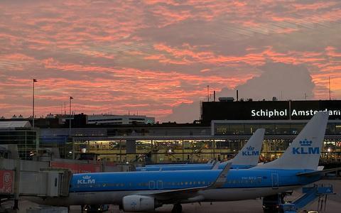 Ronselverbod voor taxi's op Schiphol