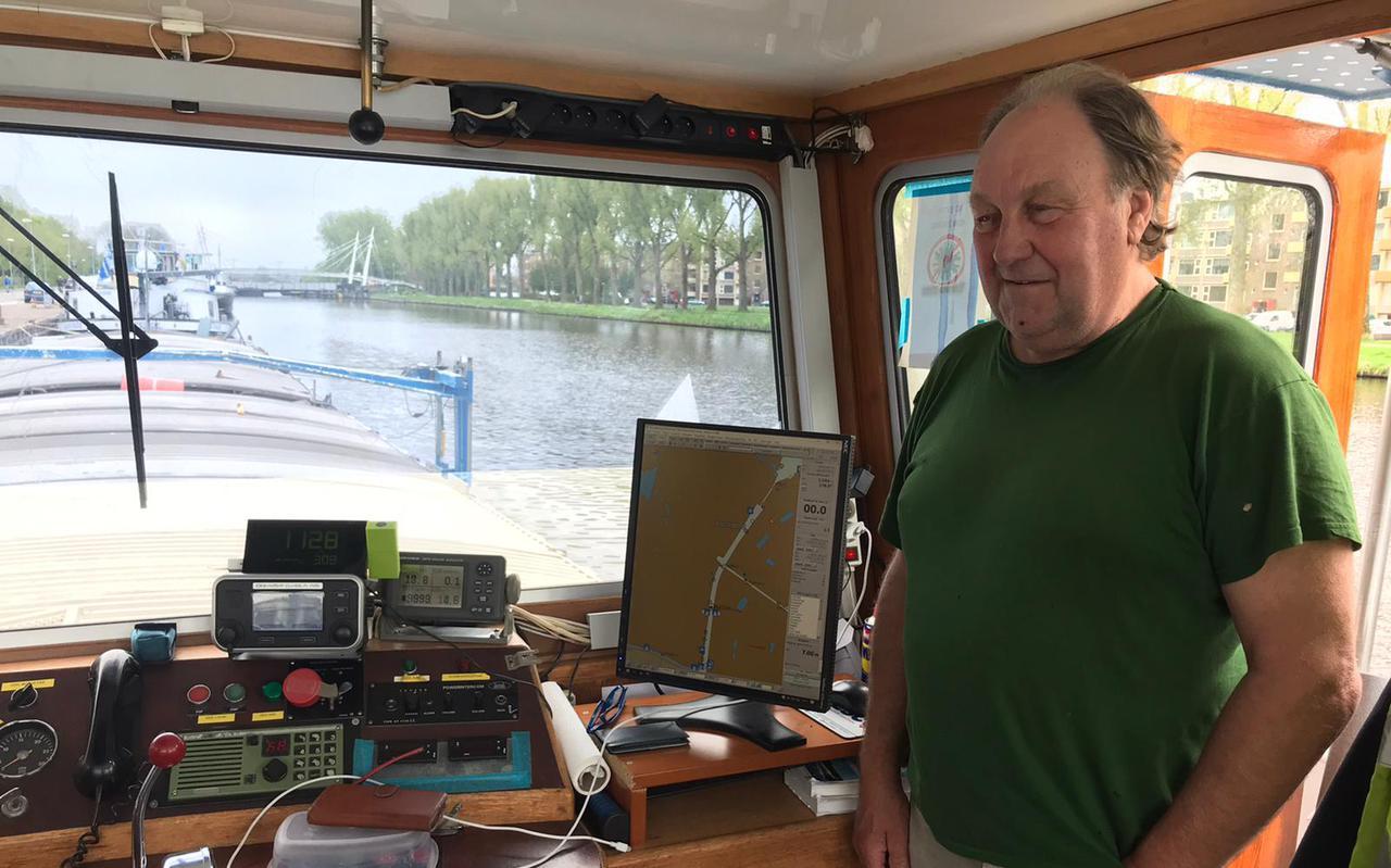 Eddy Demunter, schipper van de Falkland, ligt vast door de aanvaring met de Gerrit Krolburg