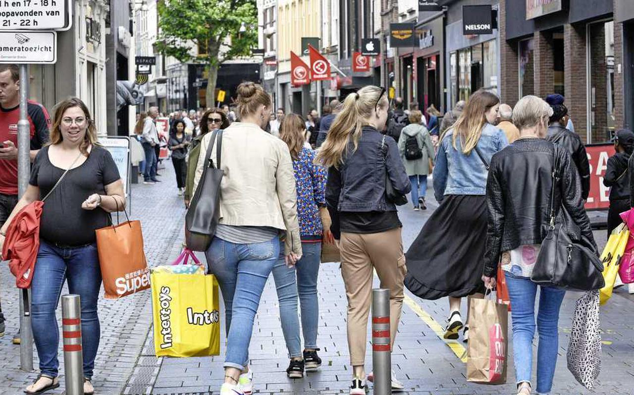 Nu de meeste coronabeperkingen zijn losgelaten, geven consumenten weer uit.