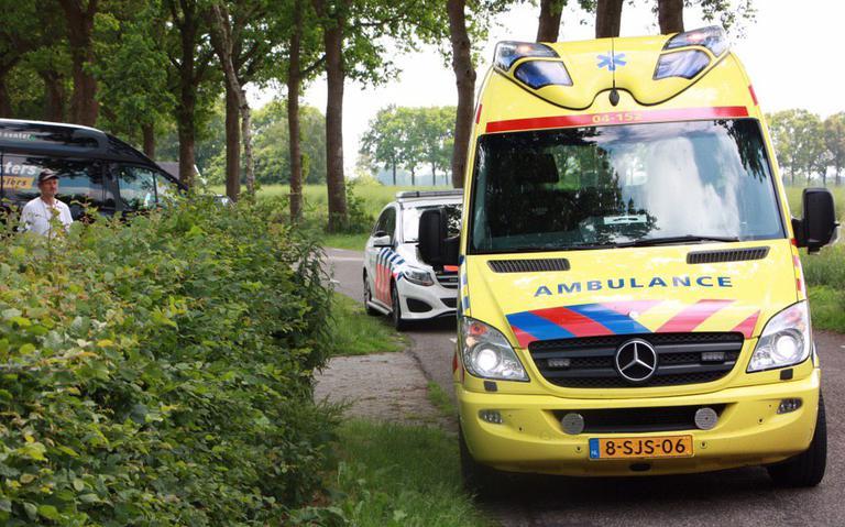 Brommerrijder gewond bij botsing met auto in Kerkenveld.