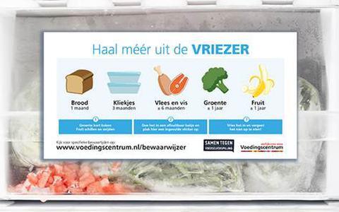 Voedingscentrum bedenkt een woordgrapje en verspreidt stickers over invriezen in Vries