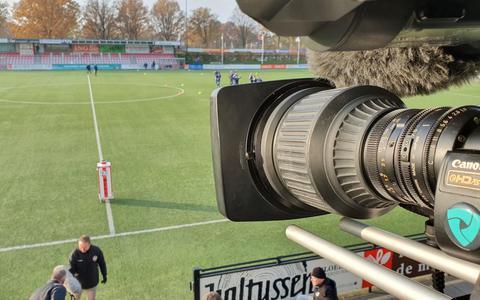 De camera van Utilitys op het veld van HZVV in Hoogeveen