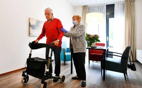 Eenzame kerst dreigt: bijna helft ouderen verwacht kerst alleen of met z'n tweeën te vieren