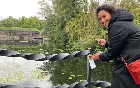 Happy Stones? Nu is er een vrolijke opvolger: gehaakte bloemen duiken op in Drenthe