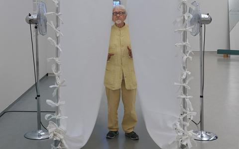 Kunstenaar Marinus Boezem is een handelsreiziger met lef. 'Je kunt er beter voor zorgen dat er vraag is naar je kunst en zelf je werk promoten'