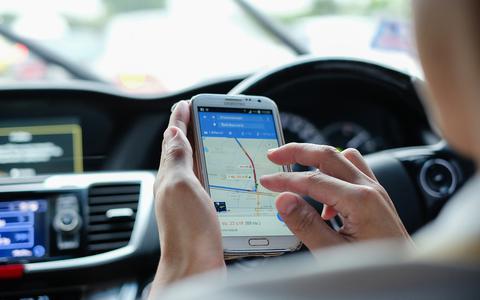 Navigeer jij in de auto met Google Maps? Die app laat voortaan zien hoe hard je mag