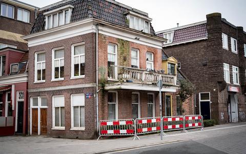Staat het balkon van het 'duivenhuis' in Groningen op instorten? Meneer Bakker (82) ligt overhoop met de gemeente Groningen: 'Ik ben mijn hele leven aannemer geweest'
