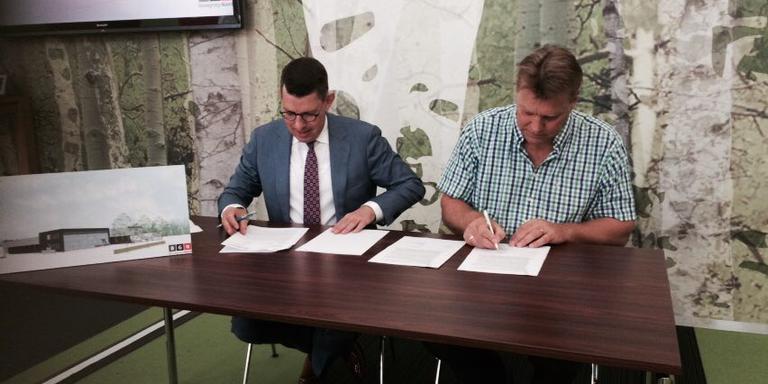 Locoburgemeester Bouke Arends en Ronald Hartman.