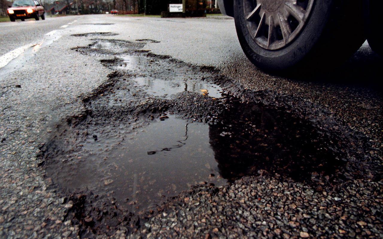 Steeds meer wegen in Hoogeveen verkeren in een slechte staat