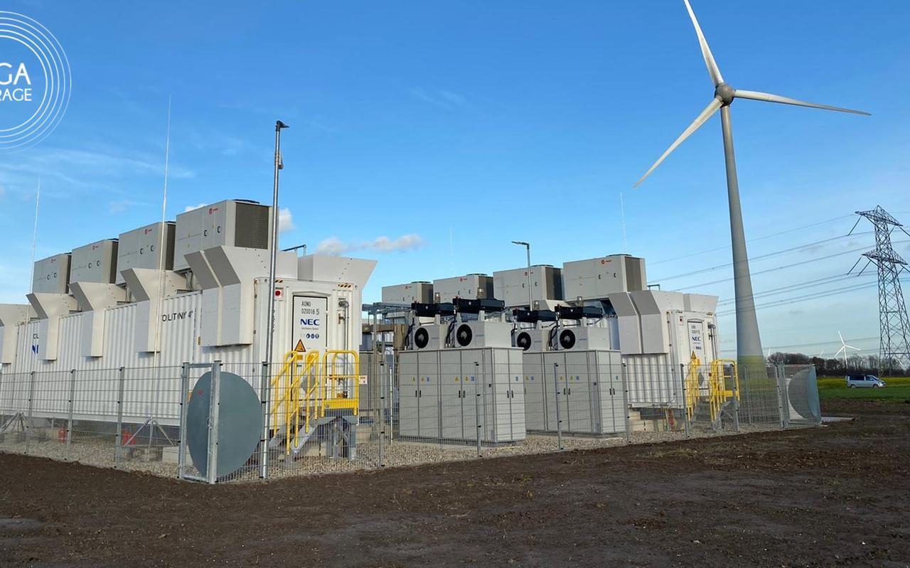 De Giga Rhino, de enorme opslagbatterij in Lelystad, is donderdag in gebruik genomen.