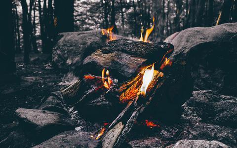 Winterkamperen is met een warm kampvuur goed te doen