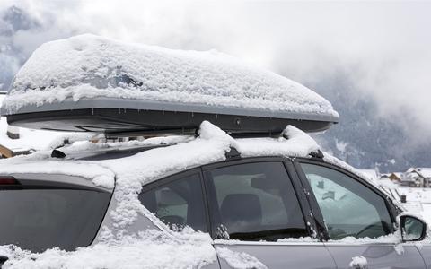 Met deze tips en apps ga je goed voorbereid met de auto op wintersport