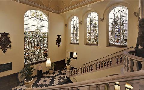 Het trappenhuis van het Academiegebouw van de RUG. Foto: Kris Roderburg/Rijksdienst voor het Cultureel Erfgoed