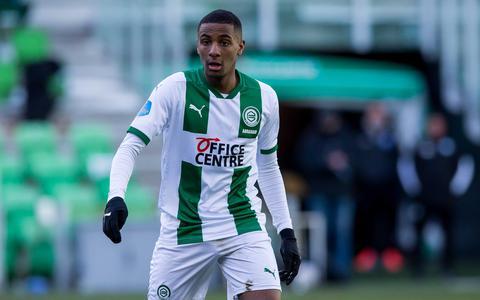Supertalent Abraham kijkt bij debuut voor FC Groningen op van trainer Buijs: Ik ben dit niet gewend
