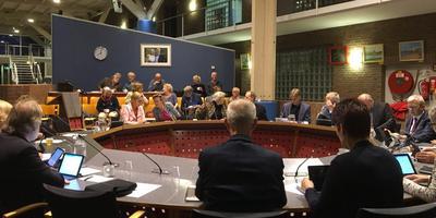 Raadszaal De Marne in Leens is te klein om gemeenteraad Het Hogeland te herbergen.