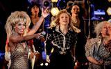 Jacques J. d'Ancona deelt 5 sterren uit: de eerste klaterende ovatie voor Tina hield zo lang aan dat ze de boel even stil moest leggen ★★★★★