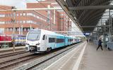De nieuwe WINK-trein van Arriva in Amersfoort, op weg naar het Noorden.