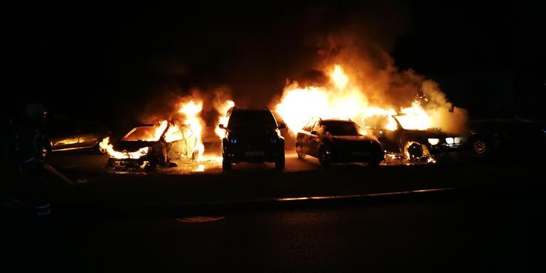 De autobranden in Hoogeveen. Foto persbureau Meter