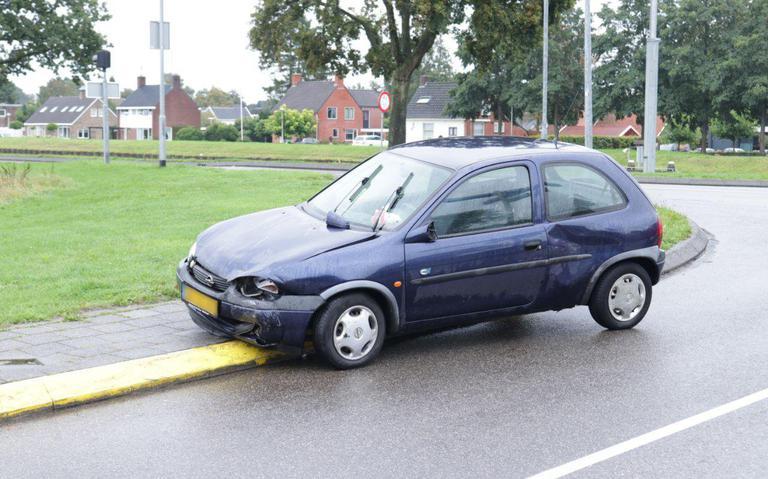 Autos beschadigd bij ongeluk in Scheemda.