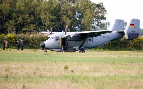 Duits toestel maakt mysterieuze landing in Lauwersmeer (waar nooit vliegtuigen landen)