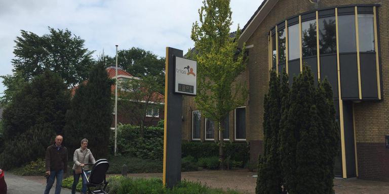 Pand van Trias Vries in beeld voor filiaalbibliotheek. FOTO DVHN