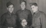 De Engelandvaarders met staand vlnr Max Weisglas, Pieter Schagen en Louis van Coevorden; zittend Alfred Frank.