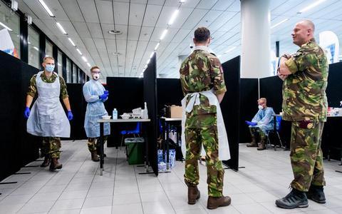 Defensie stuurt 'verkenners' naar zorginstellingen in Groningen. Zij gaan kijken waar de nood hoog is door corona