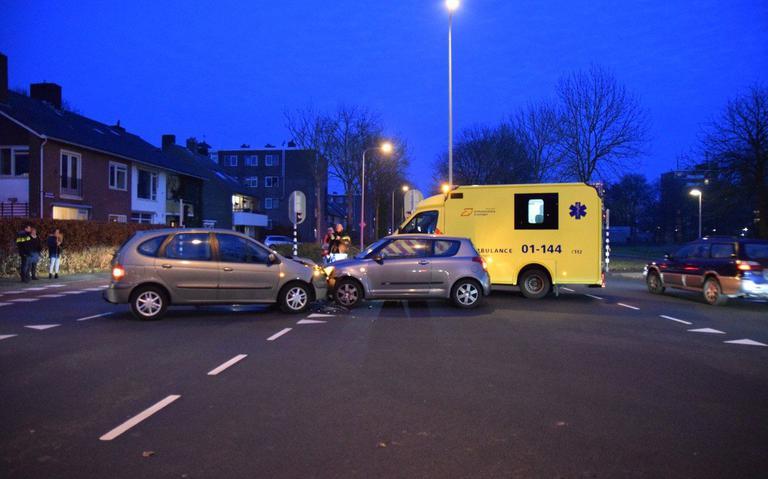 Botsing tussen twee autos in Groningen.