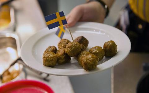 IKEA deelt het recept voor z'n beroemde Zweedse gehaktballetjes. Zo kun je tijdens de coronacrisis zelf aan de slag in de keuken