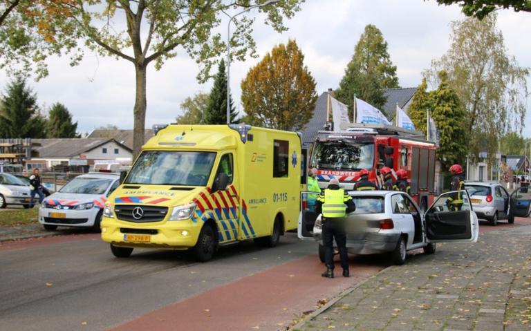 Kop-staartbotsing op St. Vitusholt 7e laan in Winschoten.