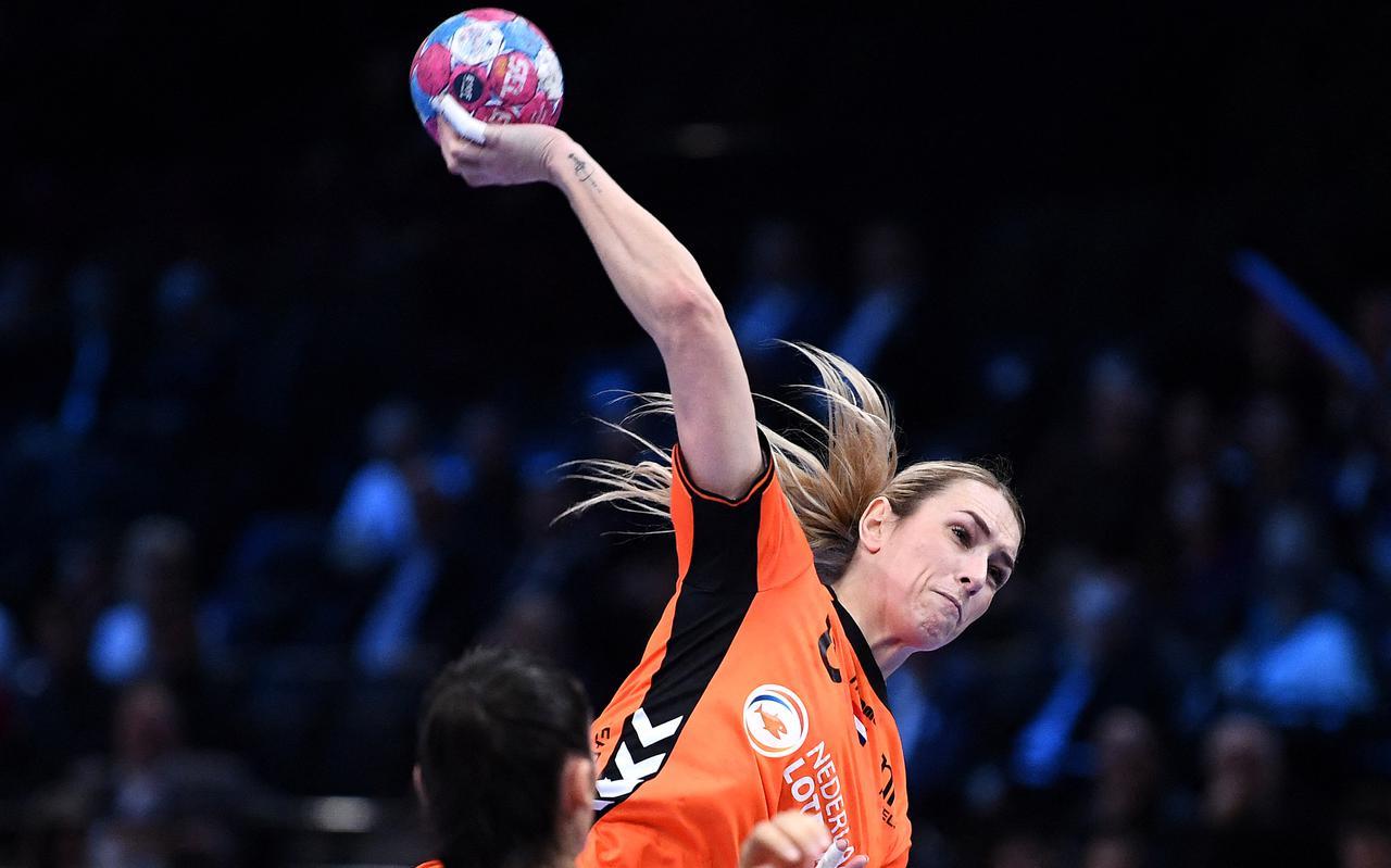 Lois Abbingh in actie voor het Nederlands team.