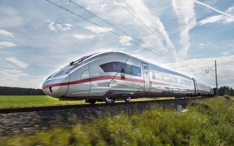 Een snelle trein op de Lelylijn kan de reistijd tussen Groningen en de Randstad met 40 minuten bekorten.