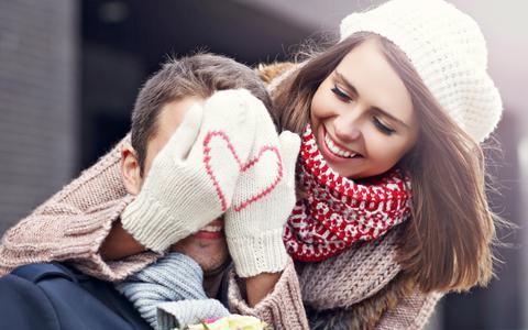 Zo vier je Valentijnsdag in lockdown. 'Begin op de plek waar je elkaar voor het eerst hebt ontmoet'