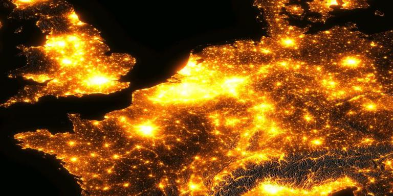 Nederland vanuit de ruimte. FOTO NACHT VAN DE NACHT