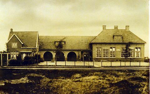 Noodlokaal voor 100-jarige basisschool De Dreef in Emmer-Erfscheidenveen