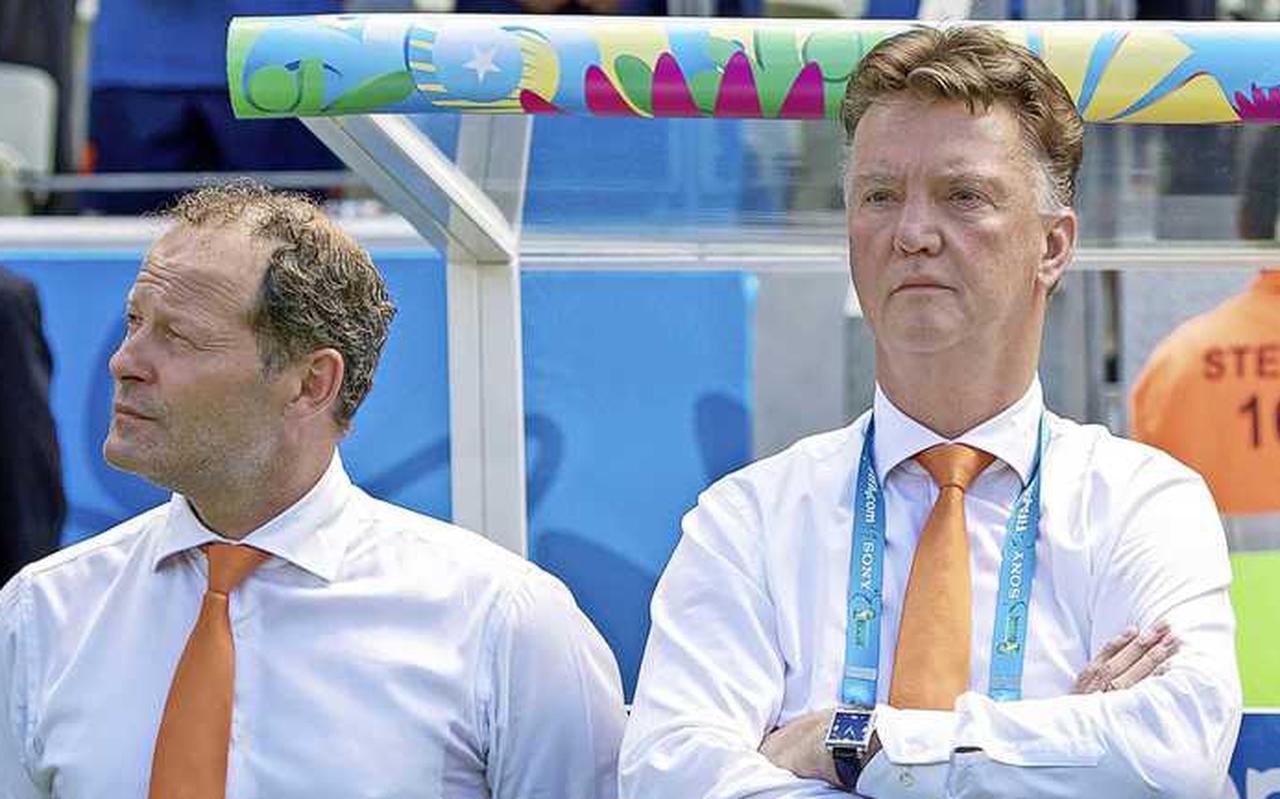 Danny Blind en Louis van Gaal tijdens het bronzen WK van 2014.