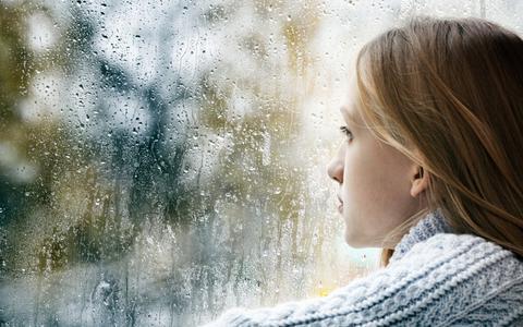 De winterdip: bestaat die eigenlijk wel? Deze Groningse psychiater trekt de winterblues in twijfel